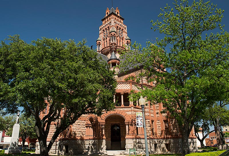 The Ellis county courthouse in Waxahachie, TX.